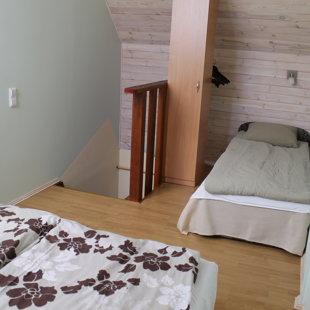 Trīs gultas vietas